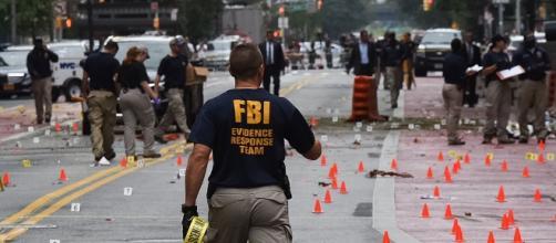 FBI e a polícia trabalham na cena do atentado (Don Pollard/Governo NY)