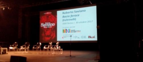 Il palco allestito alle OGR per la serata con Roberto Saviano