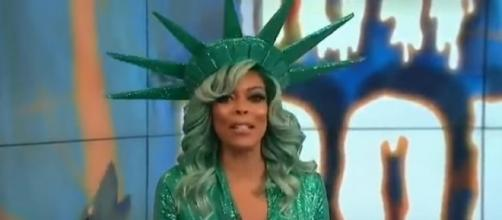 Wendy Williams Halloween costume 2017. (Image Credit: Steve Milne News/YouTube screencap)