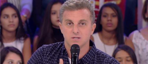 Globo anuncia demissão de Luciano Huck, caso ele queira se candidatar a Presidente