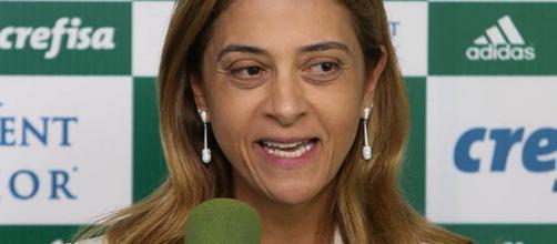 Em fevereiro, Palmeiras renovou com a Crefisa por mais dois anos