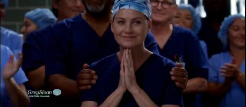 Meredith Grey wins the well-deserved Harper Avery award. [Credit Image:GreySloan/Youtube screencap]