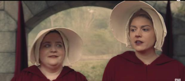 """Cecily Strong and Aidy Bryant in a 'SNL' 'Handmaid's Tale"""" sketch - YouTube/Saturdaynightlive"""