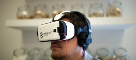 Virtual Reality - Image Credit - Knight Center for Journalism | Flickr