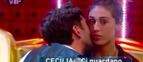 Cecilia e Ignazio, dolce intimità dietro le tende del ... - today.it