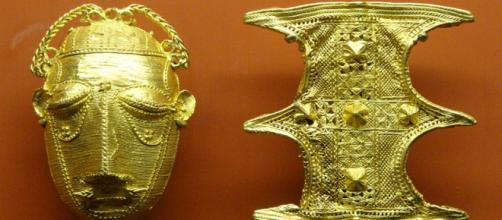 Gold ornaments (Image credit Daderot, Wikimedia Commons)