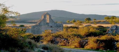 Pueblo abandonado de La Lastra (foto de El Naturista)