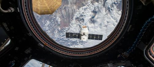 SpaceX Dragon as seen from the ISS. [image courtesy NASA wikimedia commons]