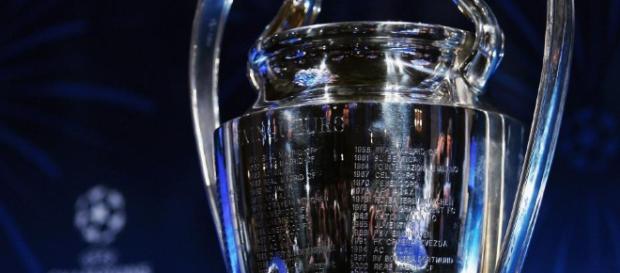 Le Saviez-Vous ?: Le trophée de la Ligue des Champions - blogspot.com