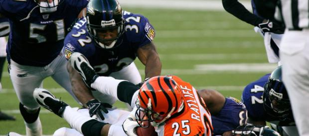 NFL concussion (Image via Wikimedia-Keith Allison)