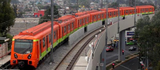 Vista del Metro en su recorrido por el sur de la CDMX.