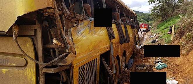 Ônibus tomba em Minas Gerais e deixa 6 mortos e 19 feridos