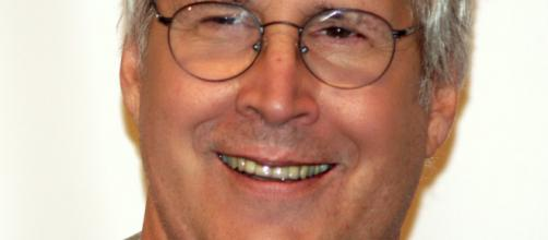 Chevy Chase drops 50 pounds fast, sparks new health concerns. [Photo via Jeff Lawry/Wikimedia Commons]