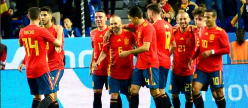 España celebra una goleada categórica (Foto: www.eltelegrafo.com.ec)