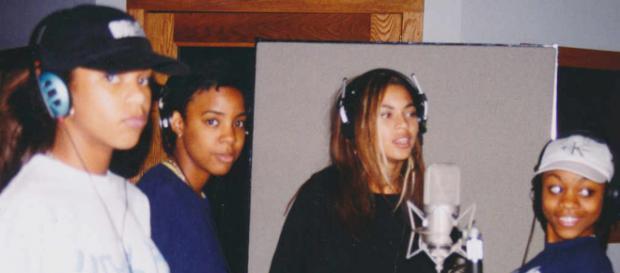 Les 4 membres du groupe Destiny's Child au commencement en 97