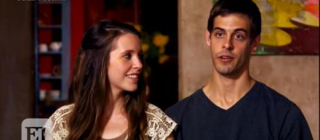 Derick Dillard is again asking for money online. - TLC/YouTube