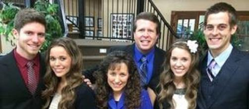 Derick Dillard, Jill Duggar get odd donations after being dropped from TLC.[Image via Youtube TLC 'Counting On']
