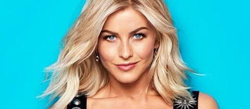 Julianne Hough is returning to 'Dancing with the Stars' as guest judge [Image: Entertainment Tonight/YouTube screenshot]