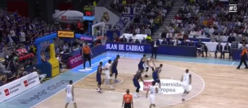 Luka Doncic, the top prospect out of Europe, recorded 20 and 10 for Real Madrid vs. Maccabi Tel Aviv – [image credit: 24kobemon/youtube]