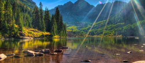 Maroon Bells is one of the most beautiful places in the world [Image via Dhaval Shreyas/Flickr]