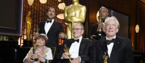 Sentados: Agnes Varda, Owen Roizman e Donald Sutherland. De pé: Alejandro G. Inarritu e Charles Burnett