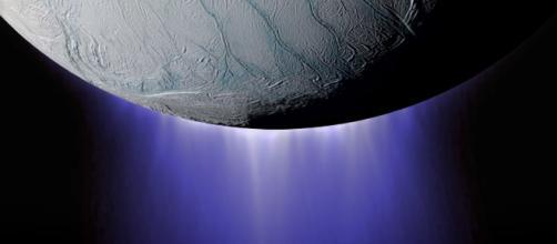 The plumes of Enceladus [Image courtesy of NASA JPL]