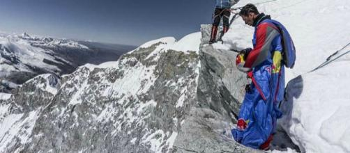 Valery Rozov preparing to jump [Image Credit: Timur Akhmedkhanov]