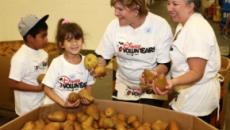 Disney and generationOn partner on 2017 'Family Volunteer Day'