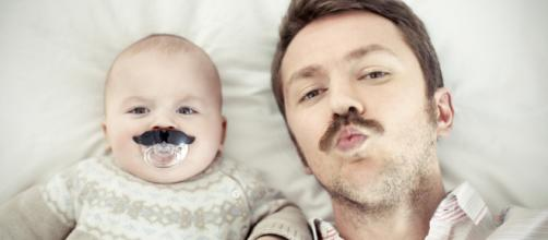 los bebes y su unión a su papá cuando éste practica la lactancia paterna