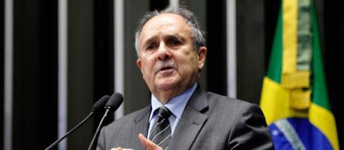 Senador foi a favor do impeachment de Dilma