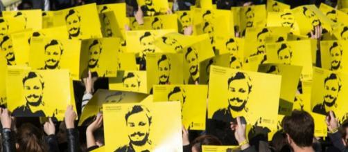 Una manifestazione di Amnesty international a favore di Giulio Regeni