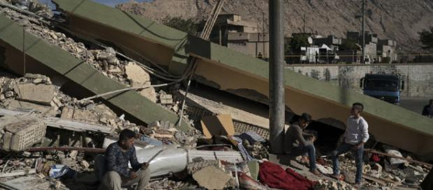 Earthquake on Iran-Iraq border leaves 400 dead, thousands injured - washingtonexaminer.com