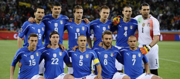 Italian national soccer team posing for a photo in the past. (Image Credit: Arturo Miguel/Flickr)