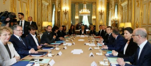 L'Elysée assure ne pas avoir cherché à «imposer un journaliste ... - liberation.fr