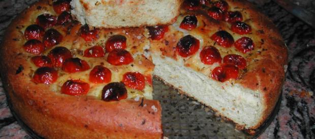 Pizza rustica fatta in casa, sfiziosa e sana