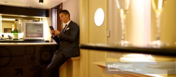 Ronaldo infidèle avec une star de la téléréalité