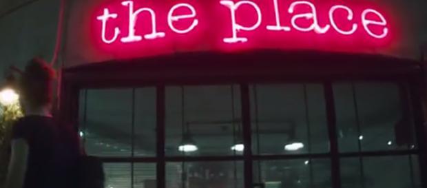 'The Place', crocevia dell'umanità e delle sue declinazioni.