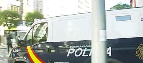 ANTENA 3 TV | Salida de 'La Manada' tras una jornada clave del juicio - antena3.com