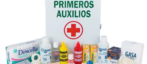 Modelo de Botiquín de Primeros Auxilios. - com.ar