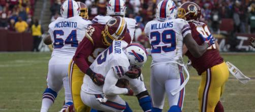 Preston Smith, Tyrod Taylor | Bills at Redskins 12/20/15 | Flickr - flickr.com