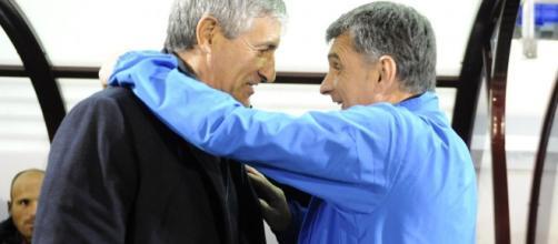 Setién y Mendilíbar se saludan amistosamente en un partido entre Las Palmas y Eibar