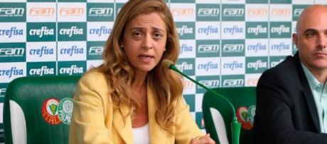 Leila Pereira e Maurício Galiotte querem trazer jovem atacante ao Palmeiras