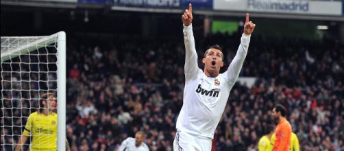 but de ronaldo du bras en l'air | Cristiano Ronaldo - Real Madrid ... - ronaldo-football.net