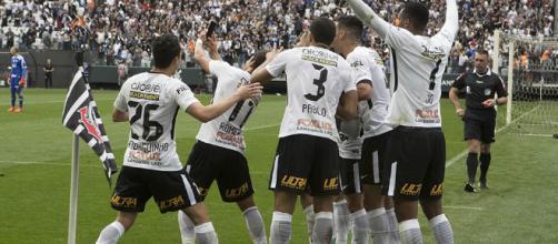 Com ótima campanha, Corinthians se consagra campeão