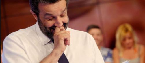 Insinna accusa Striscia. Gaffe clamorosa su Bertolino | superEva - supereva.it
