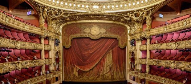 Dublu doliu în Teatrul Românesc