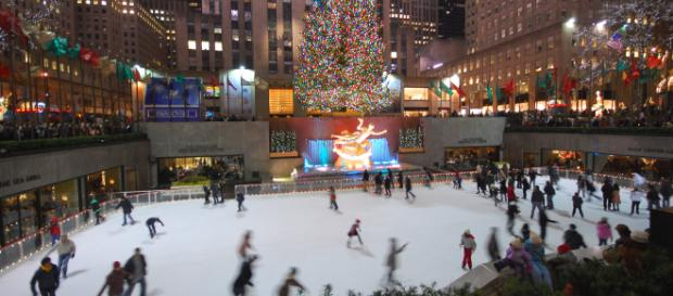 You can find many activities in New York, however, ice skating is everyone's favorite.--Photo Credit :Gabriel Rodríguez on Wikimedia Commons