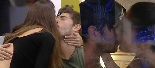 Cecilia Rodriguez e Ignazio Moser si baciano