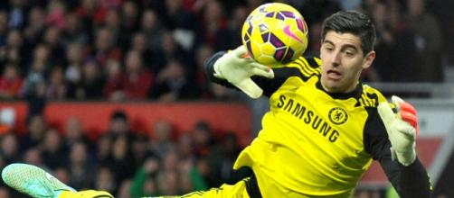 Chelsea goalkeeper, Thibaut Courtois makes a save in Chelsea's past match. [Image Credit: Oliveroliu/Flickr]