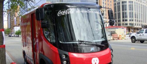 Coca Cola delivery electric van at Washington D.C. (Image credit – Mariordo, Wikimedia Commons)